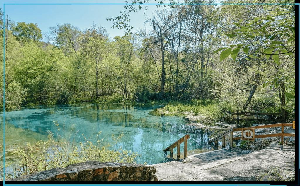 ichetucknee-florida-freshwater-spring-in-daytime