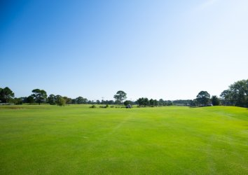 Hit the Green at These Amazing Pensacola Golf Courses